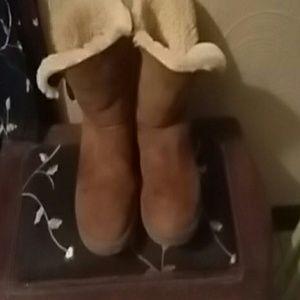 Women's Ugg Boots sz9